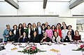 Alcaldesa y mujeres empresarias comparten mesa para celebrar el 8 de marzo 01.jpg