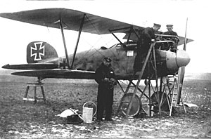 Albatros D.III - Ernst Udet in front of his Albatros D.III (serial D.1941/16)