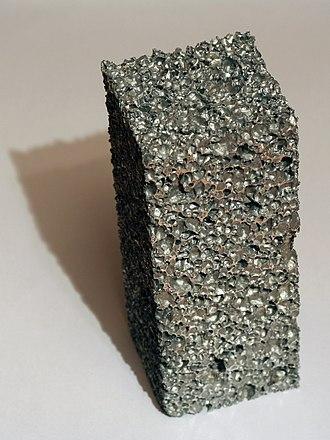 Foam - Image: Aluminium foam