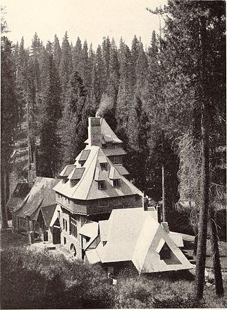 Wyntoon - Bernard Maybeck's Wyntoon project seen in 1906. It burned down in 1929.