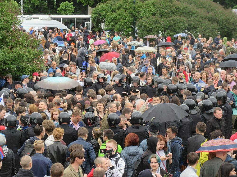 Anti-Corruption Rally in Saint Petersburg (2017-06-12) 34.jpg