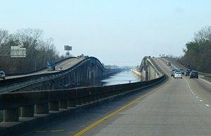 Atchafalaya Basin Bridge - Image: Atchafalaya Bridge