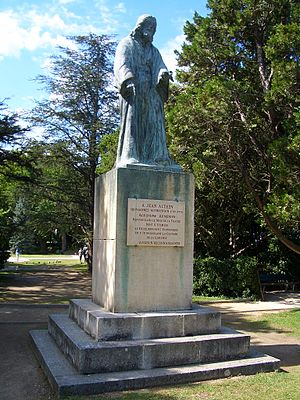 Armenia–France relations - Statue of the Armenian agronomist Jean Althen  (1709–1774) in Avignon