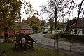 Bílčice, park u kostela.jpg