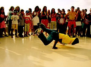 Hip-hop dance - Image: B boy breakdancing