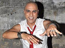Baba Sehgal shoots for his album 'Mumbai City' 03.jpg