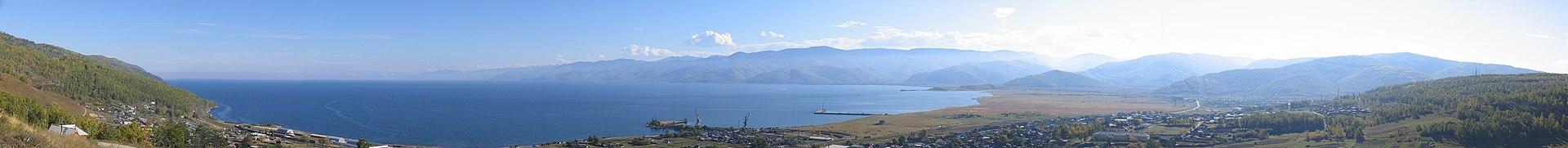 Vista panorámica del lago Baikal.