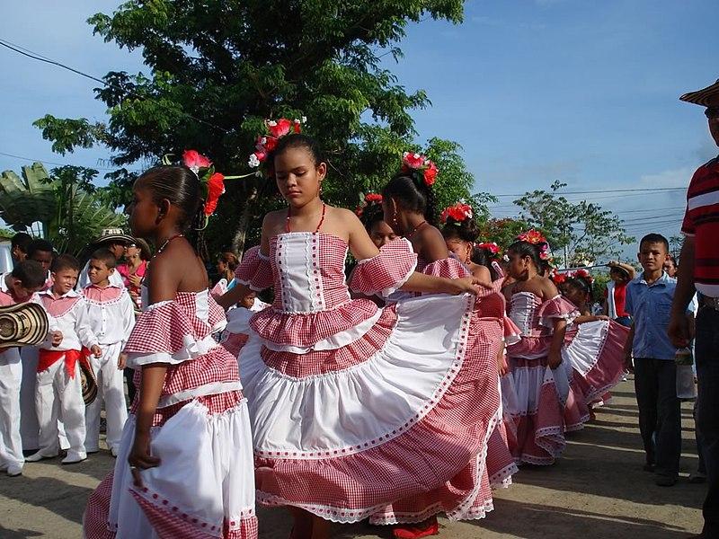 agencia latín bailando en Córdoba