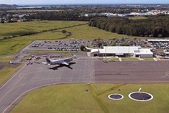 Ballina Byron Gateway Airport - Image: Ballina Byron Gateway Airport terminal and Jetstar A320