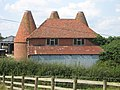 Bank Farm Oast House - geograph.org.uk - 1436469.jpg