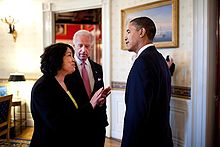 Il presidente Obama e il vicepresidente Biden con Sotomayor alla Casa Bianca, poco prima dell'annuncio della nomina il 26 maggio 2009.