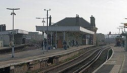 Battersea Park railway station MMB 28.jpg