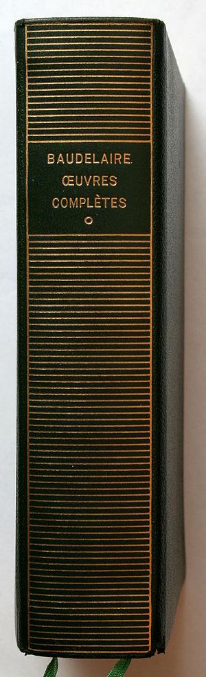 Bibliothèque de la Pléiade - Spine with gold lettering