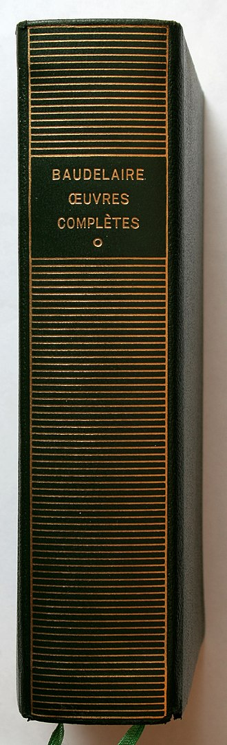 Bibliothèque de la Pléiade - Spine with gold lettering