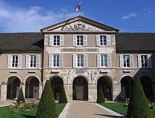 Hôtel de Ville - мэрия Бона - Beaune (Бон), Бургундия, Франция - достопримечательности, путеводитель по городу.