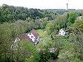 Beim 366 km langen Neckartalradweg, Blick in das Neckartal bei Rottweil und Blick (Mai 2015) auf den Aufzugstestturm in Rottweil der Fa. ThyssenKrupp Elevator - panoramio.jpg