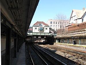 Beverley BMT sta house from platform jeh.jpg