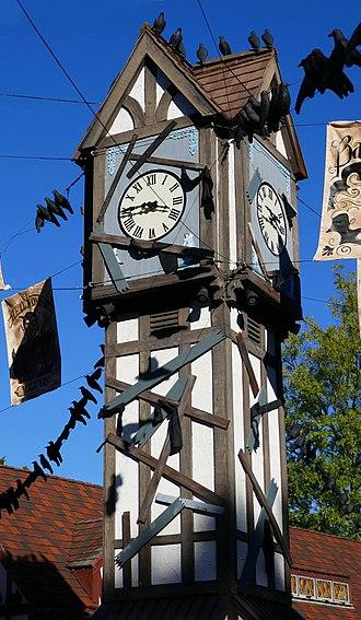 Busch Gardens Williamsburg - Big Ben in Banbury Cross (England), decorated for Howl-O-Scream
