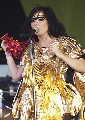 Björk by deep schismic at Big Day Out 2008, Melbourne Flemington Racecourse.jpg