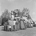 Bloemencorso Sassenheim, een van de praalwagens, Bestanddeelnr 919-1181.jpg