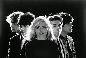 New wave music - Blondie, 1976. L–R: Gary Valentine, Clem Burke, Deborah Harry, Chris Stein and Jimmy Destri.