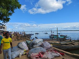 Lamu - Activity on the waterfront
