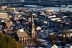 Bragernes kirke sett fra Hamborgstrømskogen mars 2020.jpg