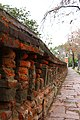 Brick wall - Muro de tijolos (14764149739).jpg