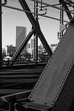 File:Broadway Bridge-3.jpg