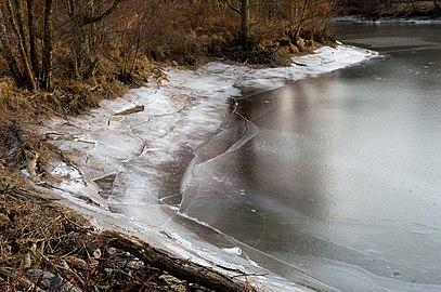 Broken ice on Holma Millpond 4.jpg