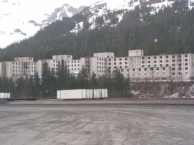 The Buckner Building in Whittier, Alaska. Photo by Gabor Eszes (UED77).