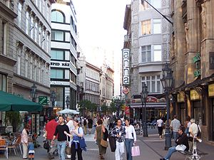 Inner City (Budapest) - Váci utca - shopping street