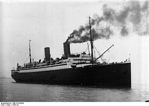 "Bundesarchiv Bild 102-00383, Dampfer ""Columbus"".jpg"