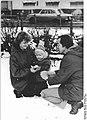 Bundesarchiv Bild 183-1983-0207-004, Schwerin, Straßenszene, Winter.jpg