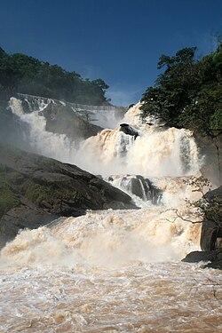 Cachoeira de tombos.jpg