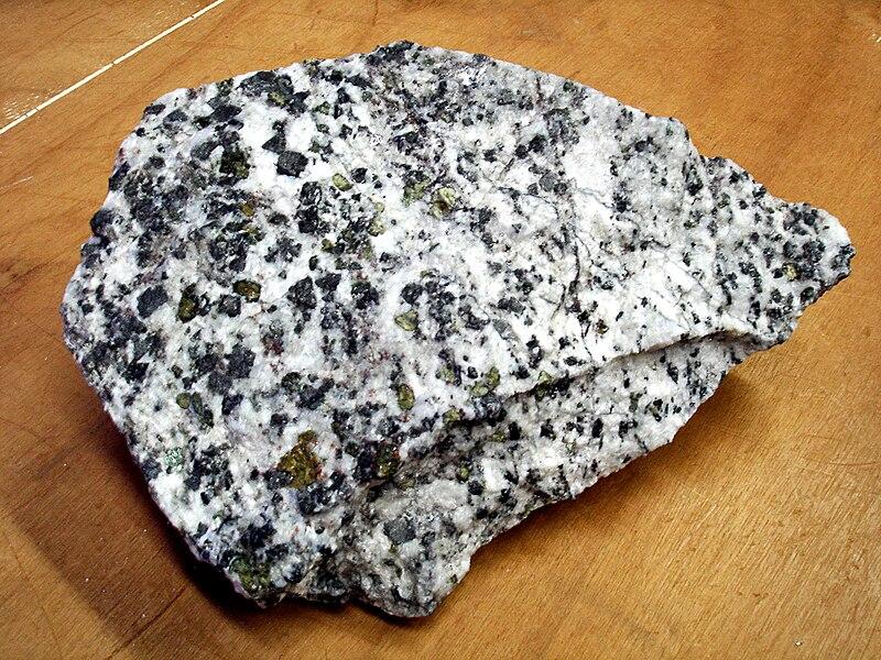 File:Carbonatite.jpg
