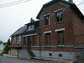 The town hall in Carnoy