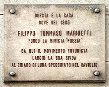 Casa Marinetti, lapide di via Senato 2 a Milano, all'epoca affacciata sul Naviglio.