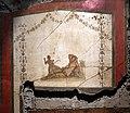 Casa dei vettii, vestibolo, oechus affrescato sul peristilio, figura distesa, forse venere.jpg