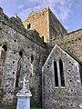 Cashel Cathedral, Rock of Cashel, Caiseal, Éire (45677265045).jpg