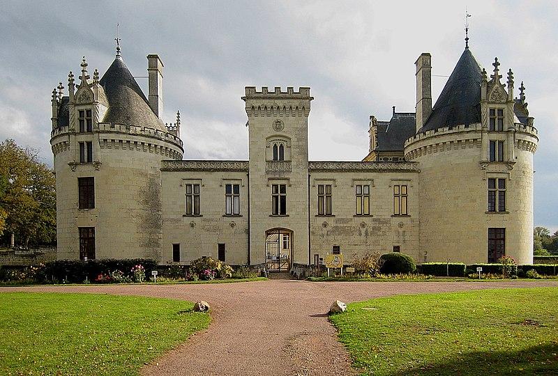 File:Castle Breze 2007 03.jpg