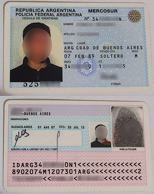 Travel document - An Argentinian Cédula de identidad, also valid for travel in other South American countries