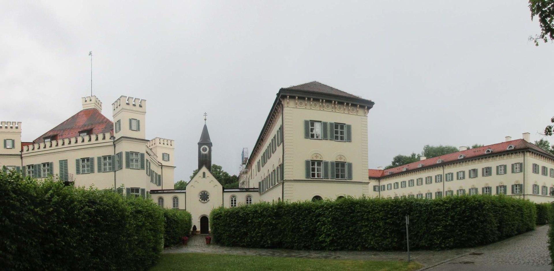 1920px-Ch%C3%A2teau_de_Possenhofen_011.jpg