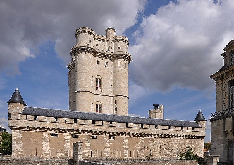 800px Ch%C3%A2teau de Vincennes 001 Un nouveau partenariat entre le musée de l'Armée et le Centre des monuments nationaux