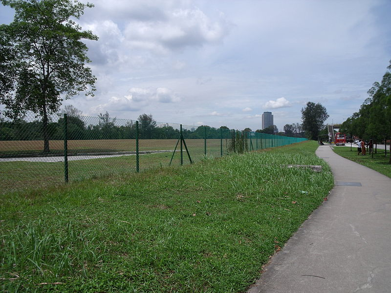 File:Chain link fence surrounding a field in Jurong, Singapore.jpg