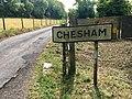 Chesham town sign on Pednor Road, June 2020.jpg