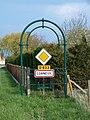 Corneuil-FR-27-panneau d'agglomération-01.jpg