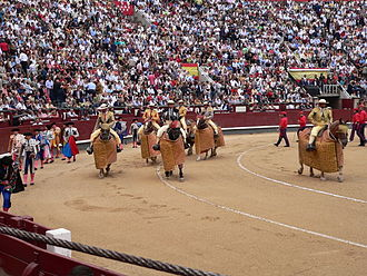 Spanish-style bullfighting - Starting a corrida (paseíllo)