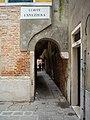Corte La Vezzera a Venezia passaggio.jpg