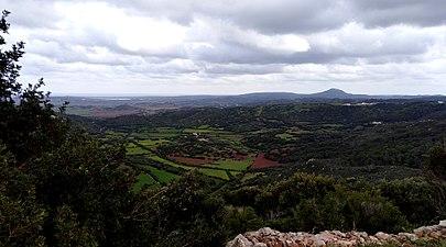 Costa sud de ciutadella vist desde castell de santa águeda.jpg